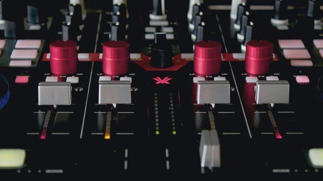 VESTAX--VCI-400
