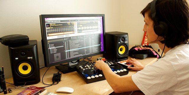 BEDROOM-DJ
