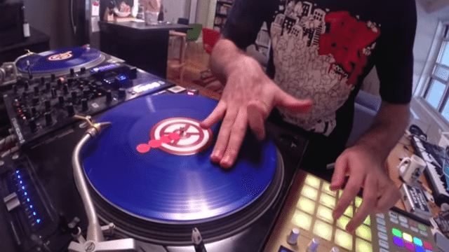 "DJ Shiftee Blends Turntablism and Controllerism in his ""Keep It 100"" Routine"